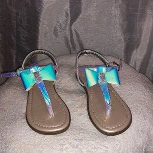 Sandal with bow - like new